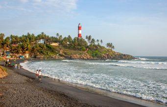 vibrant beaches in kerala